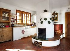Otthon - Megtervezett mediterrán | Lakások Style At Home, Small Living, Living Spaces, Old World Kitchens, Old Fashioned Kitchen, Earth Homes, Herd, Cottage Homes, Home Fashion