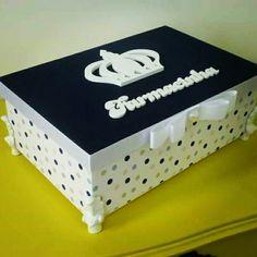 Caixa decorada - Farmacinha.