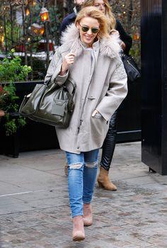 Kylie Minogue wearing Fay coat.