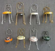 Projects & Crafts Don't throw away your champagne caps! Make 'em into an adorable mini chair collection.Don't throw away your champagne caps! Make 'em into an adorable mini chair collection. New Year's Eve Crafts, Diy And Crafts, Paper Crafts, Mini Chair, Champagne Corks, Champagne Cork Crafts, Mini Champagne, Fairy Furniture, Fairy Houses