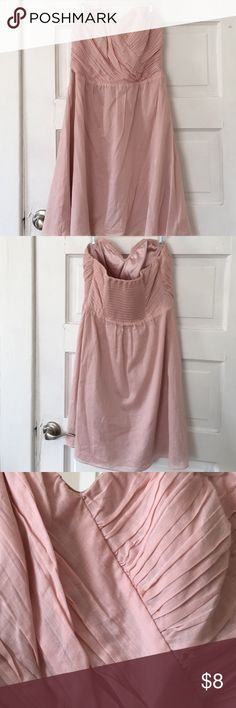 Express pink sweetheart cotton strapless dress Perfect for summer occasions or even fall weddings. A few small stains. Express Dresses Strapless