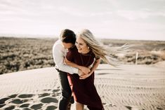 Couples photo shoot ideas, Engagement shoot, cute picture, Rexburg, ID, St. Anthony Sand Dunes, Autumn Grey Photography