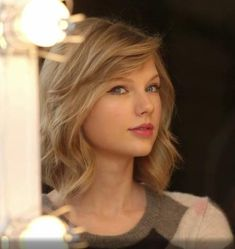 "((FC: Taylor Swift)) ""Hello, my name's Nicole. I'm 26 and single. I work as a waitress at the local restaurant."""