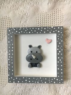 Pebble art is one of the most common and loved free time DIY activity of many. Pebble art design are. Stone Crafts, Rock Crafts, Fun Crafts, Crafts For Kids, Arts And Crafts, Pebble Painting, Pebble Art, Diy Shadow Box, Rock And Pebbles