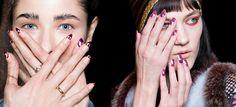 Τα νύχια αποτελούν ένα σημείο αναφοράς στην εμφάνισή μας και οι σχεδιαστές πλέον δίνουν βαρύτητα, δείχνοντας μια ξεχωριστή φαντασία! #autumn #winter #nail #designs #fashion #nailart #nailartaddict #nailporn #studiofemale #thessaloniki