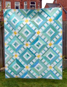 Sun, Sea & Sky Quilt - Just Jude Designs - Quilting, Patchwork & Sewing patterns and classes Quilting Projects, Quilting Designs, Quilting Blogs, Sewing Projects, Aqua Quilt, Ocean Quilt, Turquoise Quilt, Fun Craft, Quilt Modernen