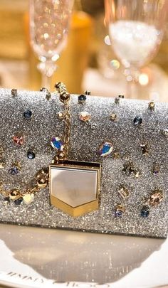 Jimmy Choo Jewelry Accessories, Fashion Accessories, Little Bag, Luxury Lifestyle, Evening Bags, World Of Fashion, Purses And Handbags, Clutch Bag, Jimmy Choo