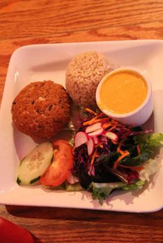 Hijiki Tofu Burgers with brown rice & carrot ginger dressing (ala Dojo ...