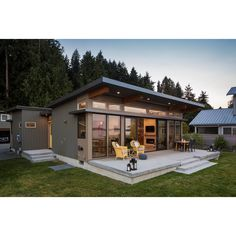 Small Modern Cabin, Modern Shed, Modern Tiny House, Tiny House Cabin, Small Modern House Exterior, Small Cabin Designs, Tiny Cabins, Backyard Guest Houses, Garage Guest House