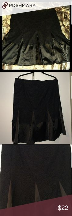 Torrid Satin and lace flared skirt Gorgeous satiny skirt, stretchy fit, lace at the top. Fitted at the top and flares out at the bottom. torrid Skirts Midi
