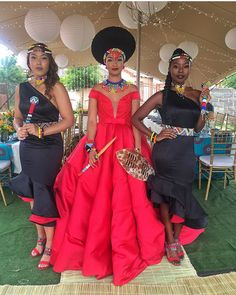 4 Factors to Consider when Shopping for African Fashion – Designer Fashion Tips African Print Dresses, African Print Fashion, African Fashion Dresses, African Dress, African Prints, African Clothes, Zulu Traditional Wedding Dresses, Traditional Outfits, Traditional Weddings