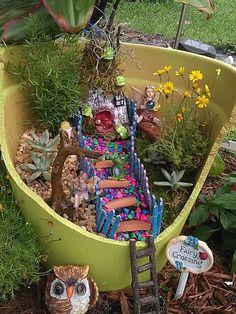 Fairy cracked pot garden