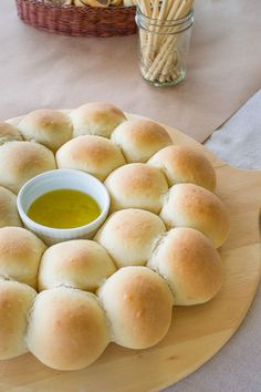 Pancitos en UNA Hora - Call Tutorial and Ideas Pan Bread, Bread Baking, Bread Recipes, Cooking Recipes, My Recipes, Brunch, Recipes From Heaven, Snacks, Empanadas