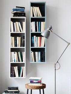 IKEA Livet Hemma | APELVIKEN hylla, SINNERLIG pall, ARÖD golv- och läslampa