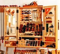 Building a Tool Cabinet - Workshop Solutions Plans, Tips and Tricks | WoodArchivist.com