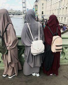 Someday i and my bestie insya allah Hijab Niqab, Muslim Hijab, Hijab Chic, Casual Hijab Outfit, Arab Girls Hijab, Muslim Girls, Muslim Women, Muslim Couples, Niqab Fashion