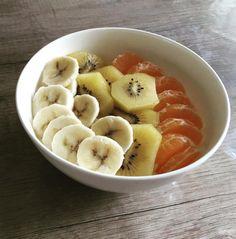Griekse yoghurt met havermout en fruit (ontbijt)