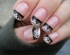 Nail Art: unhas rendadas feitas com adesivo para unhas