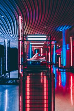 We report on the Adidas Deerupt Sneaker Collection Paris and London launch with Creative Consultant Gary Aspden. Nike Retail, Catwalk Design, Retail Store Design, Retail Stores, Window Display Retail, Store Displays, Retail Displays, Visual Merchandising Displays, Pop Up Shops