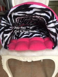 2 İN 1 Luxury Bed. Revisable. Dog Beds, Luxury Bedding, 2 In, Baby Car Seats, Children, Cats, Young Children, Boys, Gatos