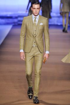 Lounge suit x dinner suit.