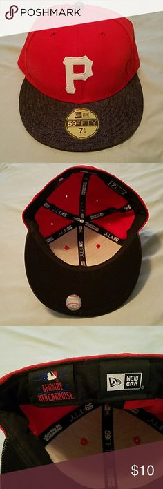 New Era Pittsburgh Pirates Fitted Baseball Cap NWOT feel free to make an offer! New Era Accessories Hats