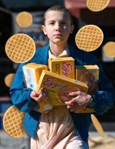 *aqui una foto de mi novia siendo feliz con sus Waffles*