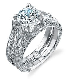 Oh my goodness, this ring is so beautiful!