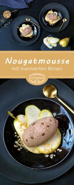 Nougatmousse mit marinierten Birnen: Leckeres Dessert mit Birnen und Krokant