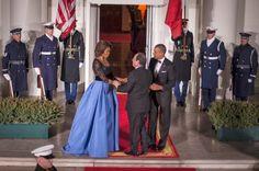 Michelle+Obama+in+Carolina+Herrera.jpg (594×395)