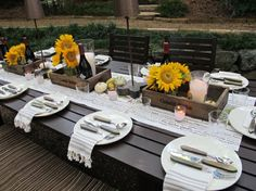 outdoor party - great napkin silverware placement along with the runner and sunflowers. Outdoor Table Settings, Fall Table Settings, Outdoor Decor, Rustic Outdoor, Outdoor Rooms, Place Settings, Picnic Table Centerpieces, Table Decorations, Outdoor Dinner Parties