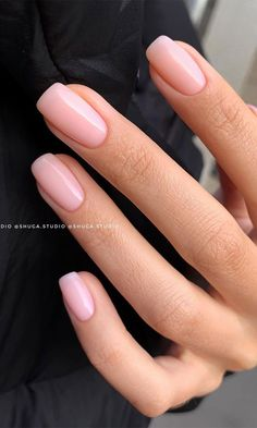6. Minimal Pink Nails Want to give your nails a break from fuzzy design, well in that case you need to see this pretty... Classy Nails, Stylish Nails, Simple Nails, Cute Nails, Pretty Nails, Nail Manicure, Gel Nails, Manicures, Pink Nail Colors