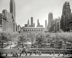 Shorpy Historic Picture Archive :: Bryant Park: 1948 high-resolution photo