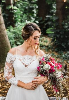 Kauai Wedding Photographer | Your Wedding Bouquet | Wedding Wednesday Tips | Vanessa Hicks Photography