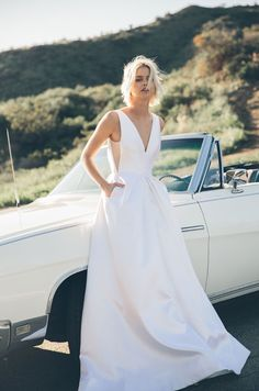 long wedding dress with pockets from Floravere. You can get this modern wedding dress delivered to your door for $25