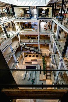 iç mekan ofis ahşap sirkülasyon galeri boşluğu interior office wooden circulation atrium
