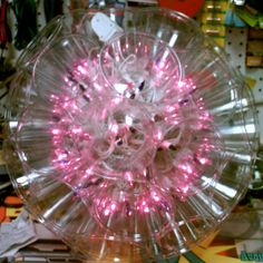 Christmas Disco Ball: This is a quick project that really looks cool. This is a lighted ball that uses miniature christmas lights with multi function controller. Diy Christmas Lights, Christmas Light Bulbs, Xmas Lights, Christmas Balls, All Things Christmas, Christmas Crafts, Christmas Ideas, Christmas Decorations, Red Lights