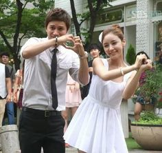 Choi Yoon & Im Maeari of A Gentleman's Dignity. THEY ARE MY FAVORITE COUPLE! ❤❤❤❤❤ So adorable I cannot handle it.