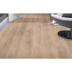 Blonde Oak Laminate Flooring doorandfloorstore.co.uk/blonde-oak-8mm-laminate-flooring.html