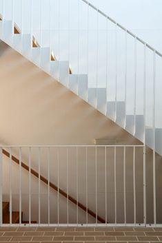 tim-stewart-architects-brisbane-upper-cairns-terrace-15 Cairns, Brisbane, My Dream Home, Terrace, Architecture Design, Mid Century, Architects, Street, Ideas