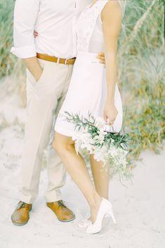 Melyek a legjobb tengerparti esküvő helyszínek? Miami esküvő - tengerparti esküvő www.tengerpartieskuvo.com Miami, Capri Pants, Fashion, Capri Trousers, Moda, Fashion Styles, Fashion Illustrations