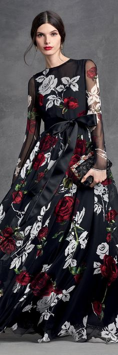 dolce and gabbana winter 2016 woman collection 112 Beautiful Gowns, Beautiful Outfits, Sewing Dress, Vestidos Fashion, Runway Fashion, Womens Fashion, Glamour, Floral Fashion, Dream Dress