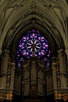 Patrick's Cathedral, New York City. I do, so love a rose window - especially amidst rib-vaulted gothic architecture ) Stained Glass Church, Stained Glass Art, Stained Glass Windows, Mosaic Glass, Stained Glass Tattoo, Gothic Architecture, Beautiful Architecture, Beautiful Buildings, L'art Du Vitrail