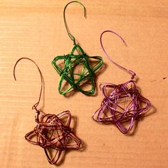 finished star wire ornaments from www.alyssaandcarla.com