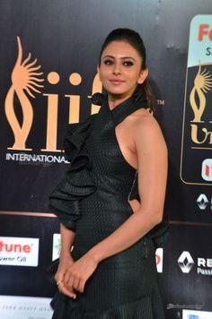 Rakul-Preet-Singh-at-IIFA-Utsavam-Awards-2017-day-2-(163)