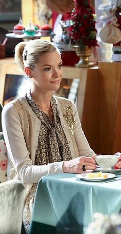Hart of Dixie's Fashion Credits Season 2, Episode 10 Lemon Breeland (Jaime King) wears a Marc Jacobs blouse and a Red Valentino sweater.