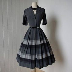 I love this dress! 50's style