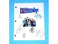 "iCarly ""iOMG"" Episode TV Script Autographed: Miranda Cosgrove, Jeanette McCurdy, Nathan Kress, Jerry Trainor, Noah Munc, Justin Prentice"