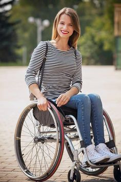 spina bifida woman in wheelchair - Yahoo Image Search results Gifts For Elderly Women, Best Gifts For Grandparents, Grandparent Gifts, Gifts For Seniors Citizens, Disabled People, Cool Poses, Sport, Sexy, Fashion Models