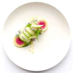 Crab, apple, celeriac remoulade & horseradish aioli rolled in cucumber ©Convaillas